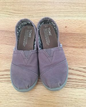 Toms Girls Shoes -13.5 size for Sale in Goshen, NY