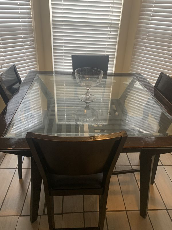Glass wooden kitchen Table with 4 chair