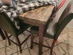 Dining room counter hieght table for Sale in Hanford, CA