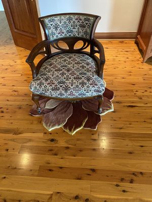 Antique Chair for Sale in Damascus, OR