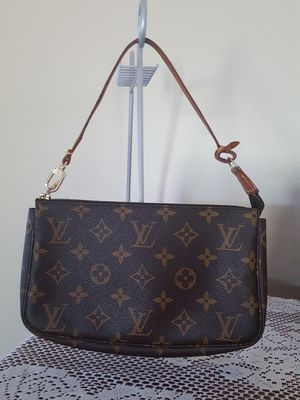 Authentic Louis Vuitton pochette in signature monogram for Sale in Tremont, IL
