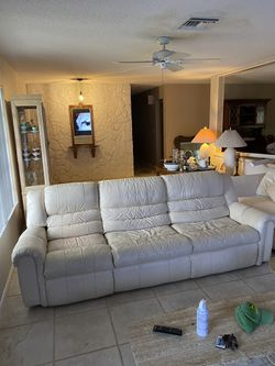 Leather Couch With Pull-out Bed for Sale in Fort Lauderdale,  FL