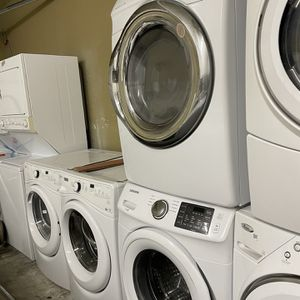 Samsung Wacher Machine And Dry for Sale in Meriden, CT