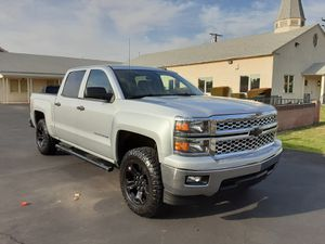 CHEVROLET SILVERADO LT LIKE NEW 2014 is like a Sierra tacoma for Sale in Los Angeles, CA