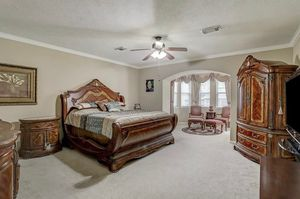 King Sized Bedroom Set for Sale in League City, TX