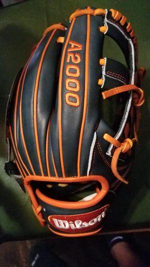 Baseball Glove for Sale in Ballwin, MO