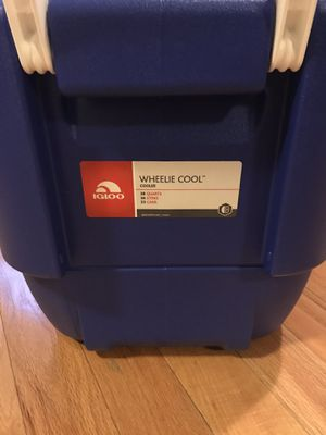 Igloo cooler for Sale in Philadelphia, PA