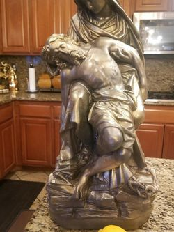 Jesus And Mary Statue Bronze Color Over 3ft Tall for Sale in Upland,  CA