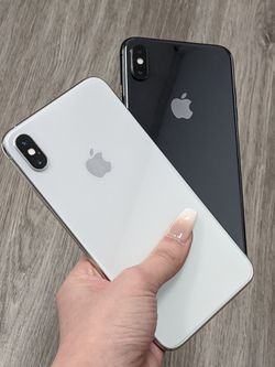 Apple iPhone X Unlocked 64GB for Sale in Kent,  WA