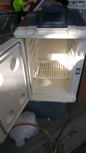 Camping refrigerator for Sale in Modesto, CA