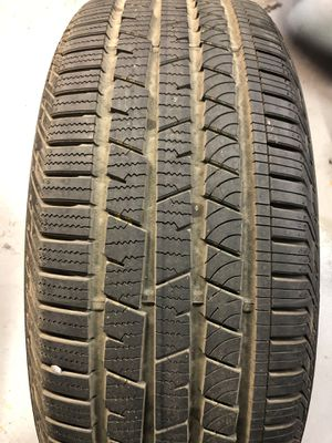 Tire .... size ——> 235/60 R18 103H for Sale in Brooklyn, NY