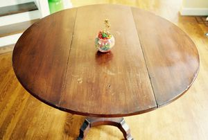 Small kitchen table / side table for Sale in Berkeley, CA