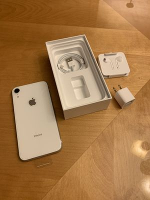 Iphone XR 64 GB for Sale in Chantilly, VA
