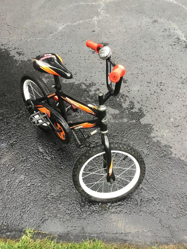"Boys 16"" Huffy Dirt Bike with training wheels"