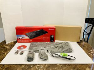 Microsoft 1000 Wireless Media Desktop Keyboard with Microsoft Wireless Mouse 2000 Bundle for Sale in Spring Hill, FL
