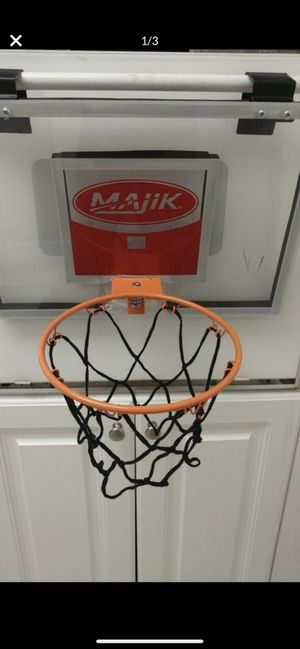 BASKETBALL 🏀 HOOP W HOOKS TO PLACE ON ANY DOOR for Sale in Pembroke Park, FL