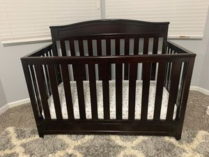 Baby Crib / Toddler Bed for Sale in Carol Stream, IL