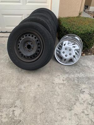 Set of tires and rims 235/65 R16 OBO Caravan Oddysey Pacífica Sienna for Sale in Delray Beach, FL