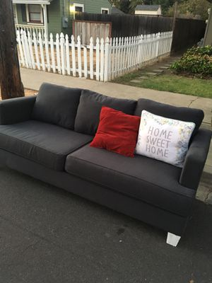 Free couch sofa for Sale in Livermore, CA