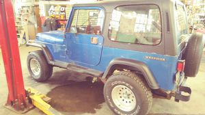 1988 jeep wrangler. 4.2 straight6 4wd manual for Sale in Bexley, OH