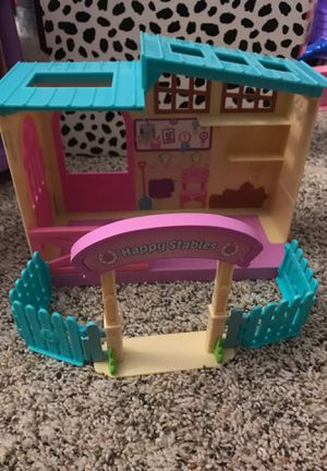 Shopkins happy stables house . In perfect condition. for Sale in MENTOR ON THE, OH