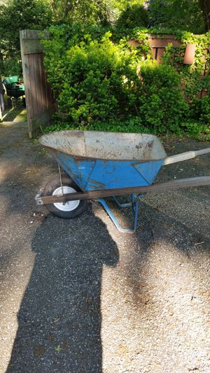 Wheel Barrow for Sale in Cleveland, OH