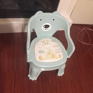 Chair For Kids / Silla Para Niñ@s for Sale in El Monte, CA