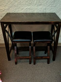 Dark Wood Hightop Table With Leather Stools for Sale in Portland,  OR