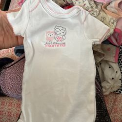 6 Month Onesie for Sale in Peoria,  IL