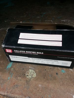 Caja de clavos para techo for Sale in Manassas, VA