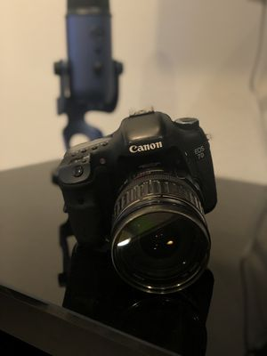 Canon Eos 7D plus 2 lenses and 2 batteries and 2 chargers for Sale in Murrieta, CA