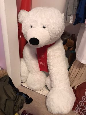 2016 big stuffed polar bear for Sale in Fremont, CA