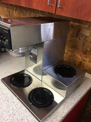Bunn 3 pot Coffee maker $150.00 for Sale in Knoxville, TN