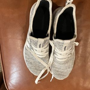 Adidas Women's Size 6 Knitted Tennies for Sale in Bend, OR
