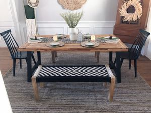 Boho dining set with rug and table decor! for Sale in Hudson, FL