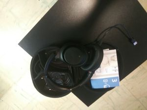 Sony WH-1000XM3 wireless headphones for Sale in Miami, FL