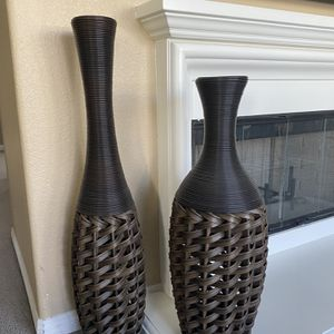 Flower vase in wicker style set of 2 for Sale in Corona, CA