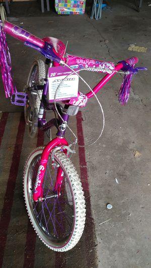 20 inch girl bike for Sale in Detroit, MI