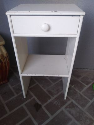 End table for Sale in Melbourne, FL