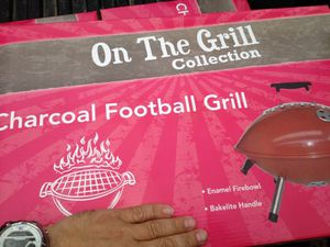 Portable tail/table gate grill. Charcoal for Sale in Des Peres, MO