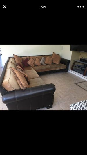Sectional couches for Sale in Oakdale, CA