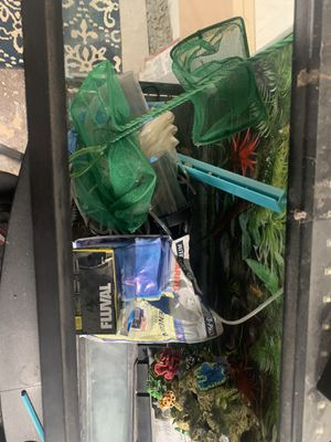 50 Gallon fish tank with accessories for Sale in Roselle Park, NJ