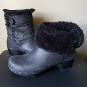 Dansko Leather/Fur Lined boot Size 41 in original box for Sale in West Palm Beach, FL