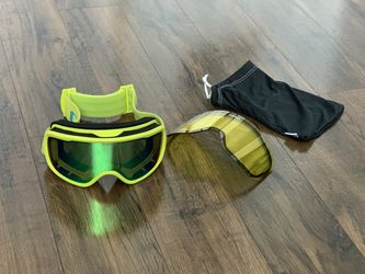 Giro Snowboarding / Skiing Goggles for Sale in Fort Lauderdale,  FL
