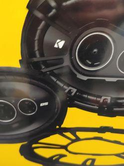 Car speakers: Kicker 6×9 3 way 360 watts car speakers Brand new for Sale in Bell Gardens,  CA