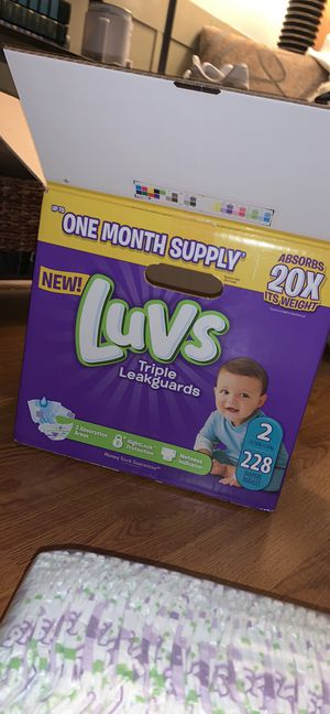 Luvs Size 2 Diapers for Sale in Lexington, SC