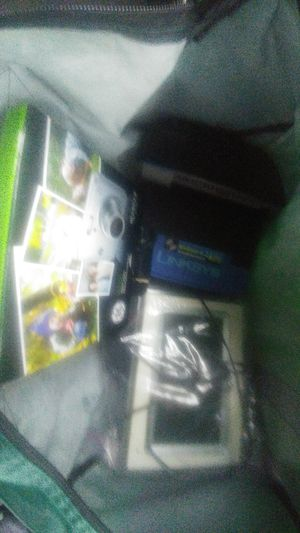 $30 for everything. 2 wireless routers, digital camera,digital pic frame,turtle beach headset for Sale in Wayne, MI