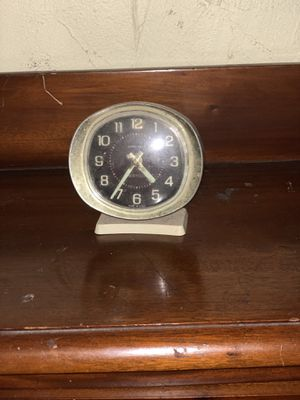 antique small clock for Sale in Duncanville, TX