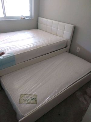 Full twin trundle bed with mattress brand new free delivery for Sale in Miami Gardens, FL