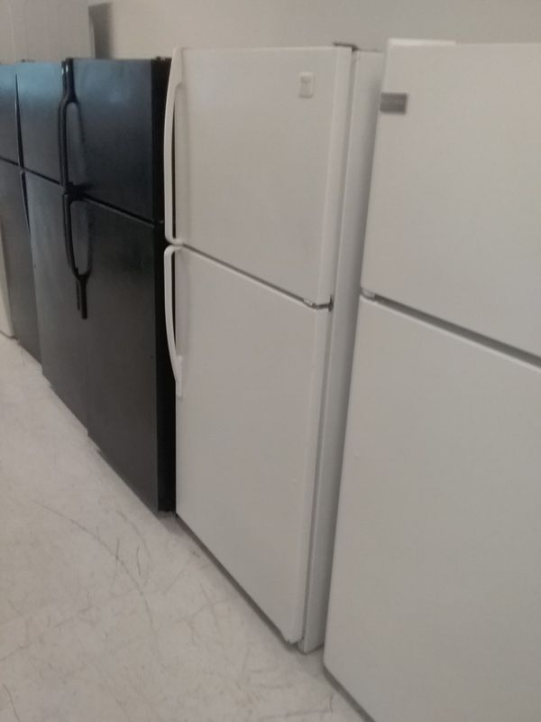 Frigidaire top and bottom refrigerator used good condition 90days warranty